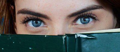 Igéző tekintet, avagy a szemkörnyék helyes ápolása